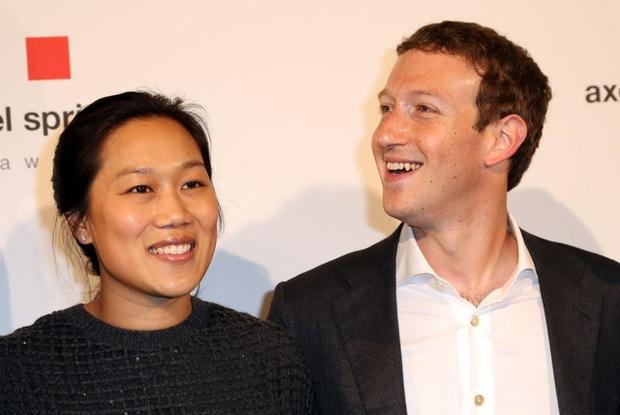 Lịch sử Facebook qua ảnh: Từ những thanh niên nhậu nhẹt giữa văn phòng đến kẻ thống trị thế giới - Ảnh 27.