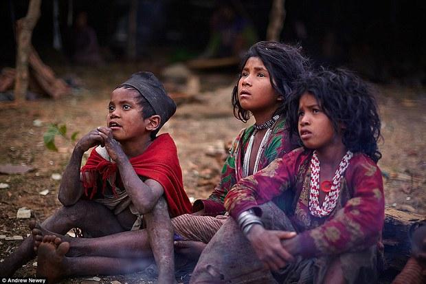 Có 1 bộ tộc nguyên thủy đang đứng bên bờ vực bị xóa sổ vĩnh viễn - Ảnh 9.