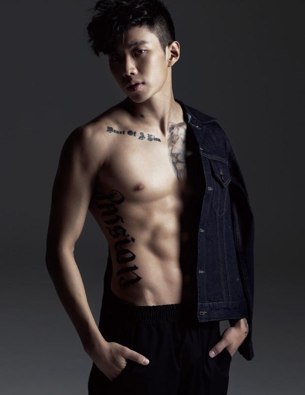 Những nghệ sĩ nam Hàn không thể ngừng phanh áo, khoe múi bụng săn chắc - Ảnh 6.