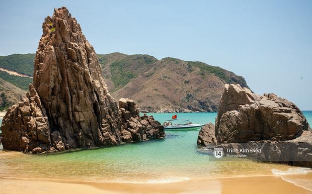 Hãy đến Eo Gió hè này để tận mắt nhìn tuyệt tác thiên nhiên ngay giữa Việt Nam mình - Ảnh 12.