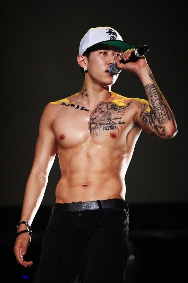 Những nghệ sĩ nam Hàn không thể ngừng phanh áo, khoe múi bụng săn chắc - Ảnh 7.