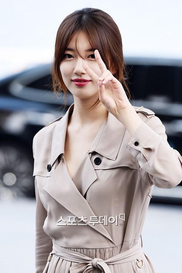 Tranh cãi xung quanh sự khác biệt giữa thái độ tại sân bay của Suzy và Krystal - Ảnh 4.