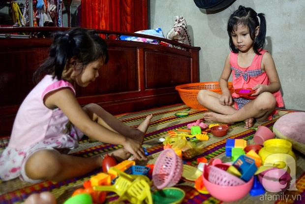 Tình tiết bất ngờ trong vụ trao nhầm con ở Bình Phước: Một gia đình nhận nuôi cả 2 bé - Ảnh 4.