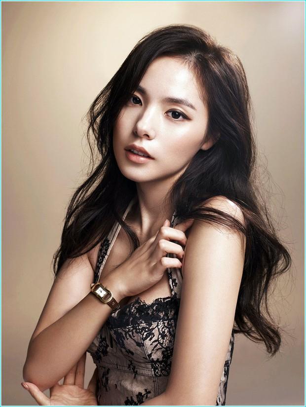 Song Hye Kyo, Lee Hyori và hai người đẹp đình đám: Ai sở hữu chiếc mũi hoàn hảo nhất xứ Hàn? - Ảnh 8.