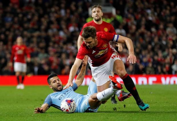 Mourinho phục hận, Man Utd đá văng Man City khỏi Cúp Liên đoàn - Ảnh 9.