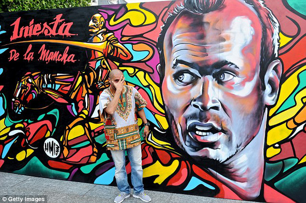 11 cầu thủ vĩ đại nhất lịch sử Euro qua nét vẽ nghệ thuật graffiti - Ảnh 7.