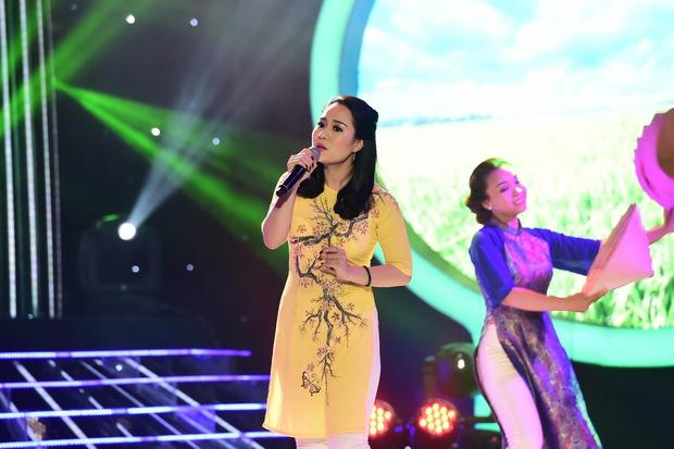 GMTQ: Hoài Linh bất ngờ khi Hòa Minzy hát cải lương quá hay - Ảnh 15.