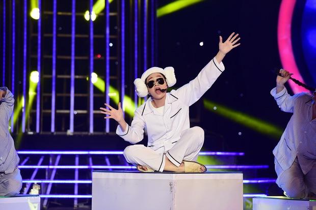 GMTQ: Hoài Linh bất ngờ khi Hòa Minzy hát cải lương quá hay - Ảnh 9.