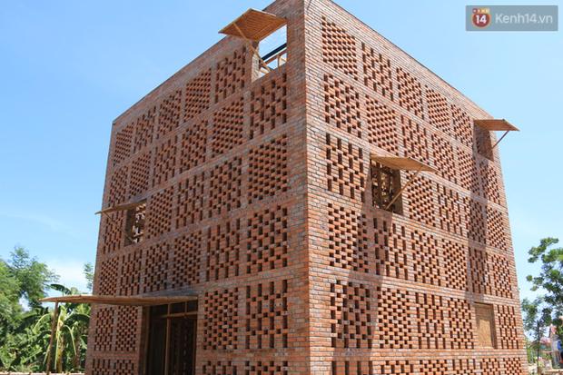 Chùm ảnh: Cận cảnh ngôi nhà 3 tầng bằng đất nung của nghệ nhân gốm Việt được lên báo Mỹ - Ảnh 4.