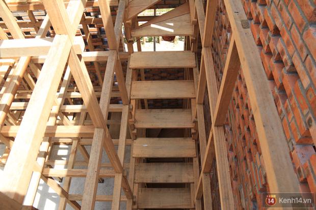 Chùm ảnh: Cận cảnh ngôi nhà 3 tầng bằng đất nung của nghệ nhân gốm Việt được lên báo Mỹ - Ảnh 12.