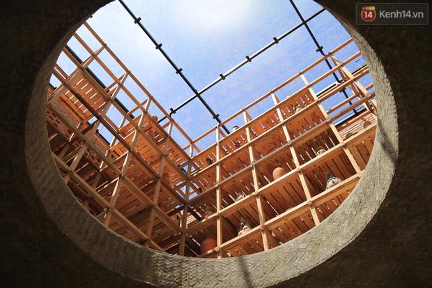 Chùm ảnh: Cận cảnh ngôi nhà 3 tầng bằng đất nung của nghệ nhân gốm Việt được lên báo Mỹ - Ảnh 17.