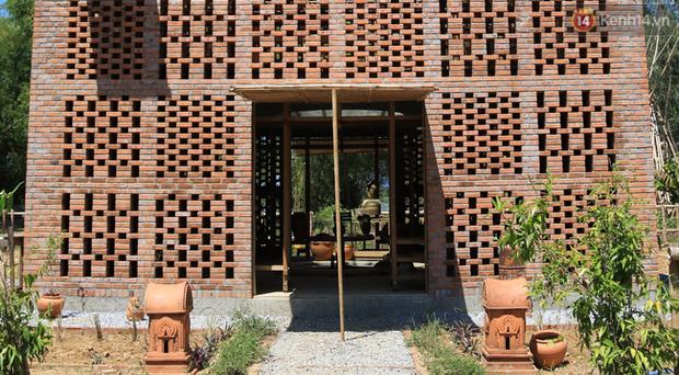 Chùm ảnh: Cận cảnh ngôi nhà 3 tầng bằng đất nung của nghệ nhân gốm Việt được lên báo Mỹ - Ảnh 15.