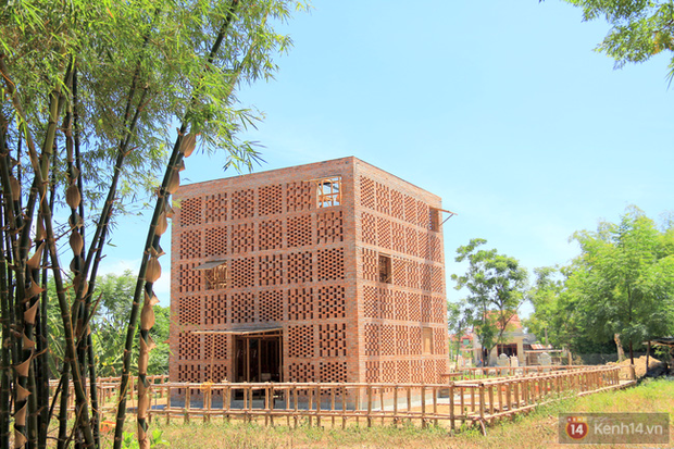 Chùm ảnh: Cận cảnh ngôi nhà 3 tầng bằng đất nung của nghệ nhân gốm Việt được lên báo Mỹ - Ảnh 19.
