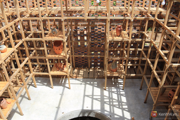 Chùm ảnh: Cận cảnh ngôi nhà 3 tầng bằng đất nung của nghệ nhân gốm Việt được lên báo Mỹ - Ảnh 8.
