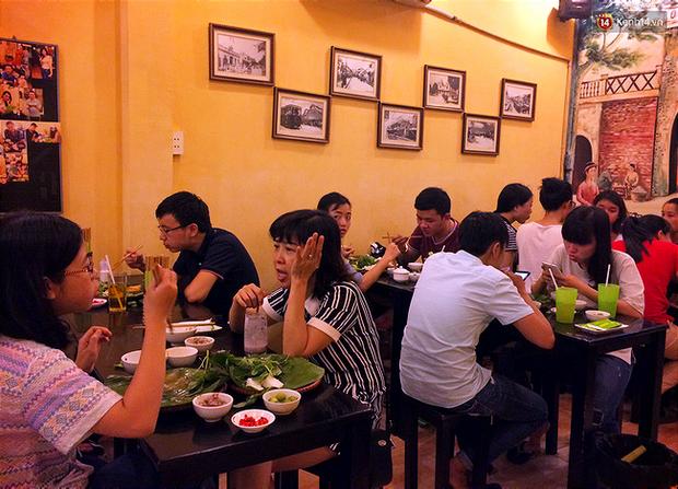 Bún đậu mắm tôm: Hà Nội chỉ ăn buổi trưa, Sài Gòn ăn cả đêm cả ngày - Ảnh 2.