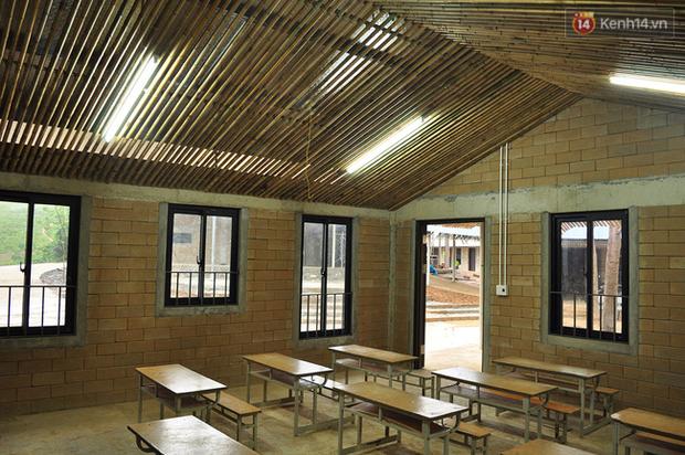 Cận cảnh ngôi trường độc đáo và đẹp như một đóa hoa dành cho trẻ em Lũng Luông - Ảnh 7.
