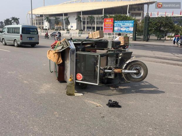Hà Nội: Va chạm với xe thương binh, nữ sinh viên bị thương nặng - Ảnh 2.