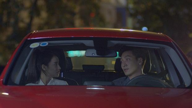 Linh (Nhã Phương) nắm tay Phong (Mạnh Trường) trước mặt Junsu (Kang Tae Oh) - Ảnh 3.
