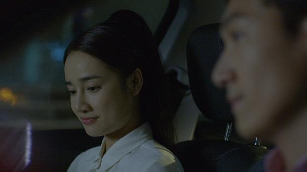 Linh (Nhã Phương) nắm tay Phong (Mạnh Trường) trước mặt Junsu (Kang Tae Oh) - Ảnh 2.