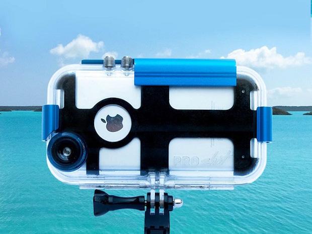 Tha hồ lặn biển chụp choẹt với chiếc ốp lưng dành riêng cho iPhone - Ảnh 1.