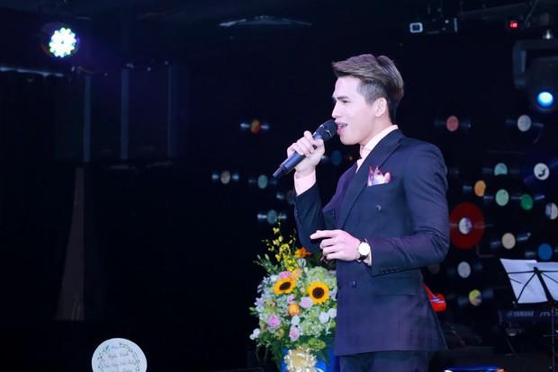 Uyên Linh, Lê Hiếu đến mừng đêm nhạc sinh nhật Quốc Thiên - Ảnh 11.