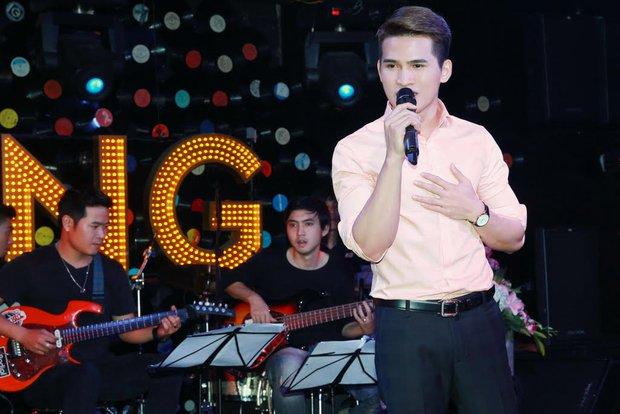 Uyên Linh, Lê Hiếu đến mừng đêm nhạc sinh nhật Quốc Thiên - Ảnh 15.