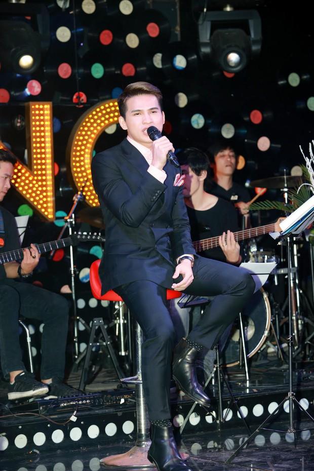 Uyên Linh, Lê Hiếu đến mừng đêm nhạc sinh nhật Quốc Thiên - Ảnh 2.