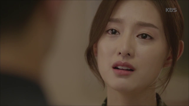 """""""Hậu Duệ Mặt Trời"""": Song Joong Ki """"say nắng"""" Song Hye Kyo từ cái nhìn đầu tiên - Ảnh 20."""