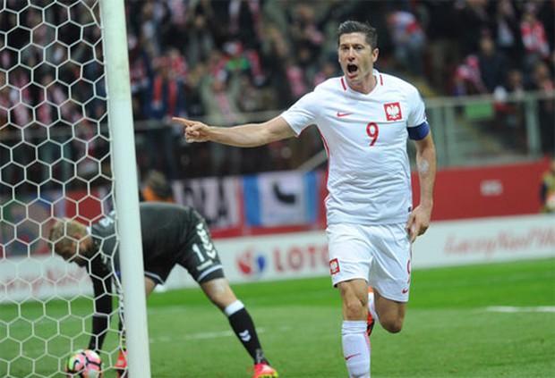 Lewandowski lập hat-trick, Ba Lan đánh bại Đan Mạch 3-2 - Ảnh 2.
