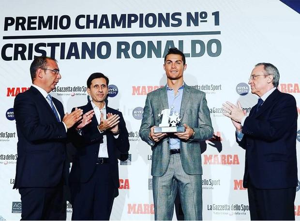 Ronaldo hãnh diện tự nhận mình hay nhất thế giới - Ảnh 1.