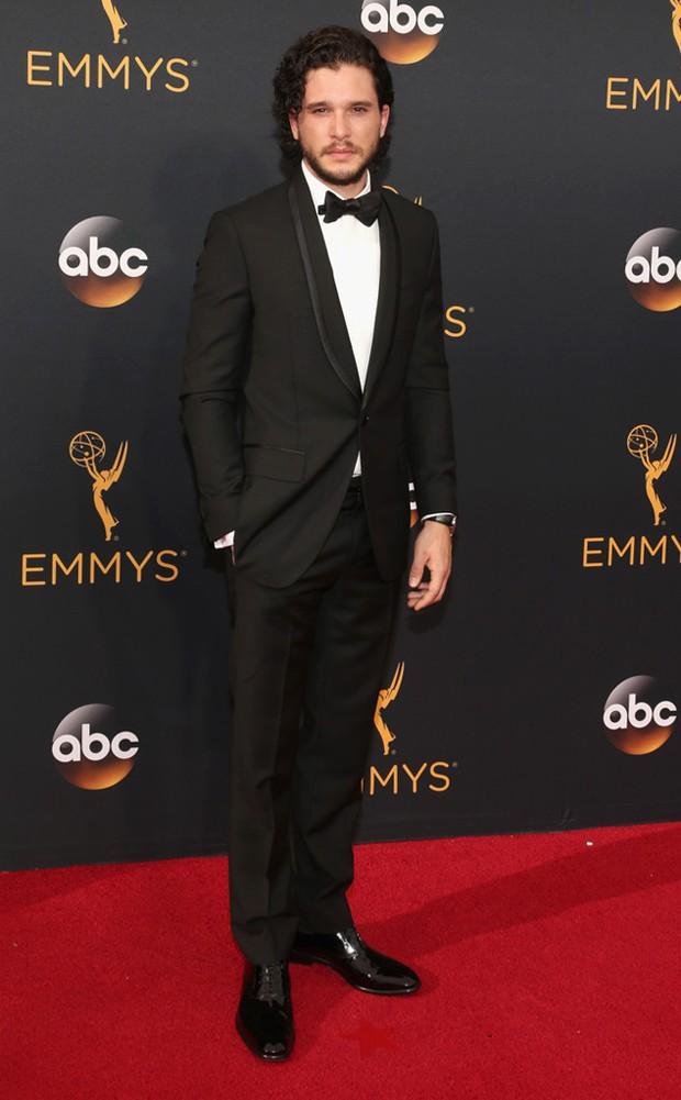 Thảm đỏ Emmy 2016 sáng bừng với màn đọ sắc lộng lẫy của dàn mỹ nhân thế giới - Ảnh 30.