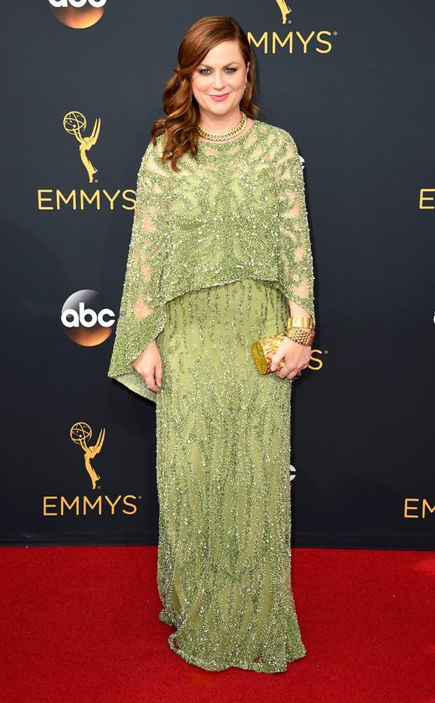 Thảm đỏ Emmy 2016 sáng bừng với màn đọ sắc lộng lẫy của dàn mỹ nhân thế giới - Ảnh 20.