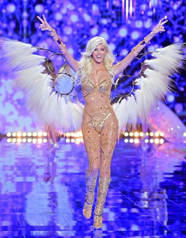 Dàn thiên thần tại Victorias Secret show 2016: Body của ai khiến bạn ngất ngây nhất? - Ảnh 36.