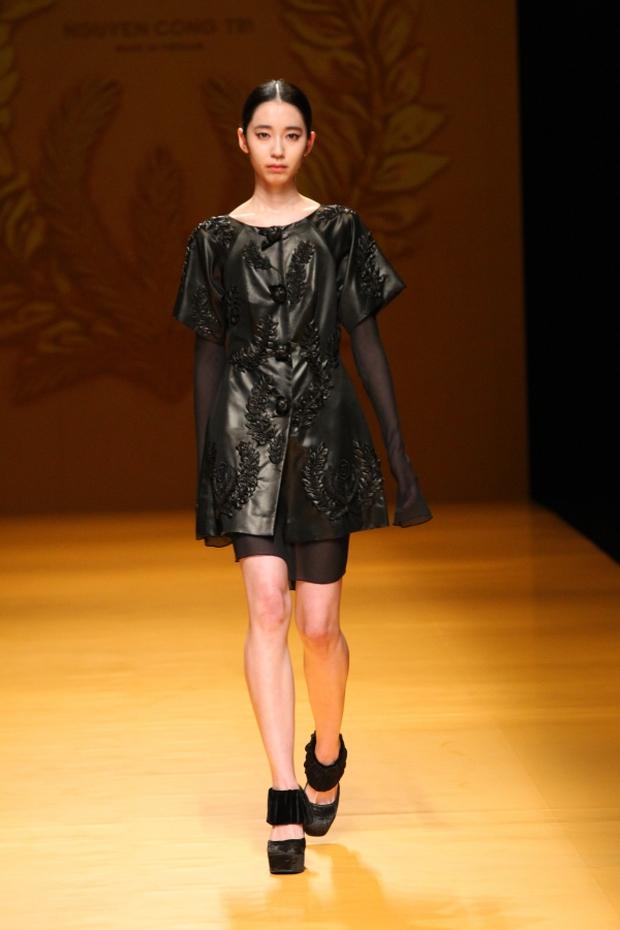 NTK Công Trí mang hồn lúa Việt đến Tokyo Fashion Week - Ảnh 4.