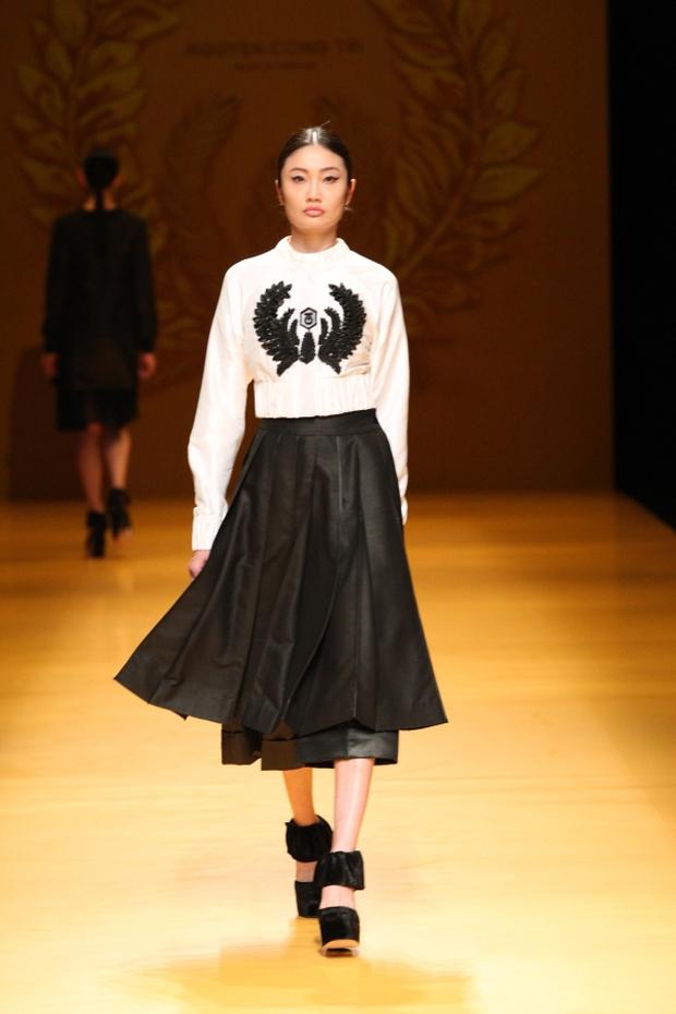 NTK Công Trí mang hồn lúa Việt đến Tokyo Fashion Week - Ảnh 7.