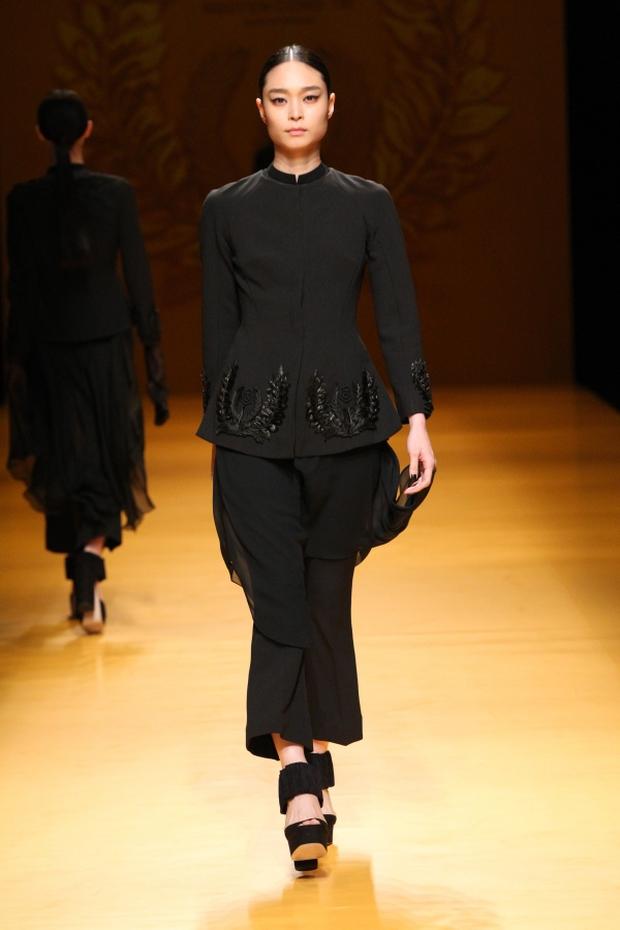 NTK Công Trí mang hồn lúa Việt đến Tokyo Fashion Week - Ảnh 11.