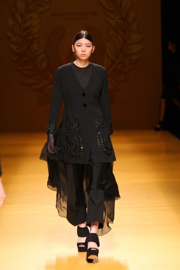 NTK Công Trí mang hồn lúa Việt đến Tokyo Fashion Week - Ảnh 12.
