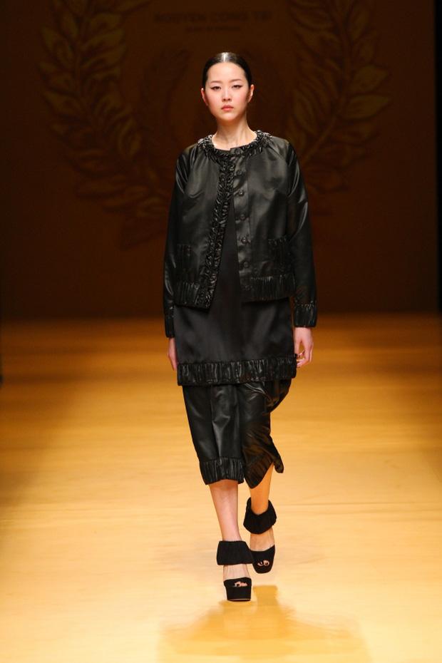 NTK Công Trí mang hồn lúa Việt đến Tokyo Fashion Week - Ảnh 14.
