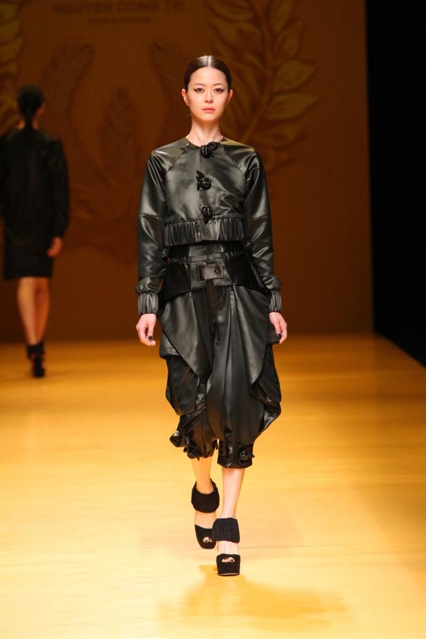 NTK Công Trí mang hồn lúa Việt đến Tokyo Fashion Week - Ảnh 15.