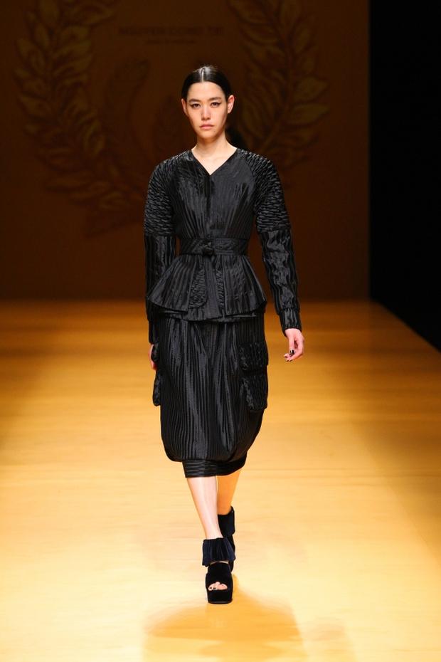 NTK Công Trí mang hồn lúa Việt đến Tokyo Fashion Week - Ảnh 17.