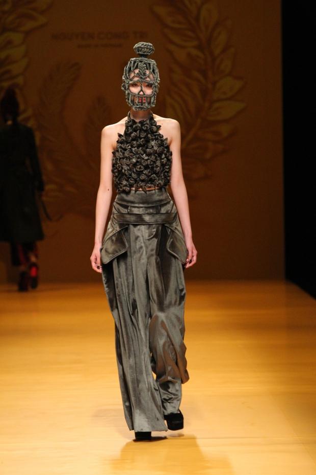 NTK Công Trí mang hồn lúa Việt đến Tokyo Fashion Week - Ảnh 23.