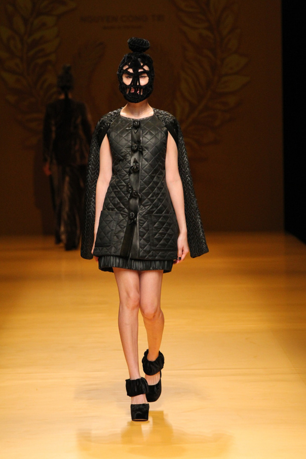 NTK Công Trí mang hồn lúa Việt đến Tokyo Fashion Week - Ảnh 26.