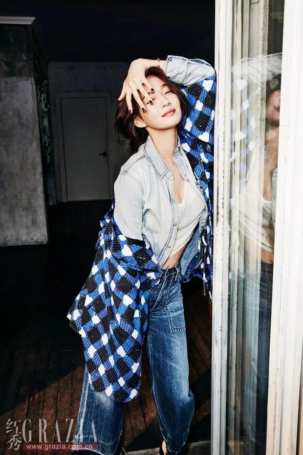 Park Shin Hye đẹp ma mị với suối tóc dài không tưởng, Shin Min Ah sành điệu trên tạp chí - Ảnh 27.