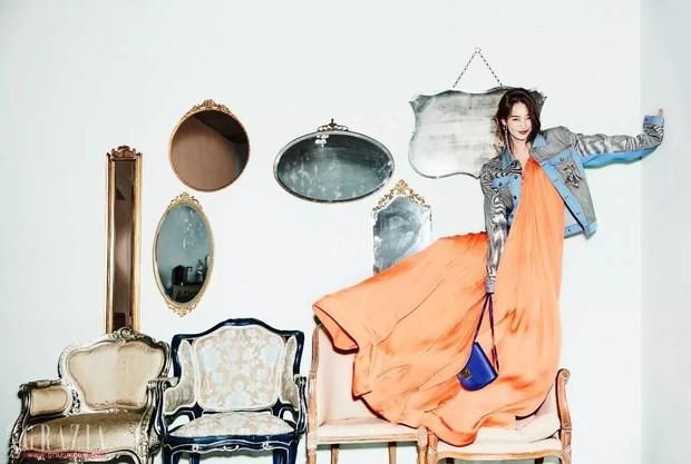 Park Shin Hye đẹp ma mị với suối tóc dài không tưởng, Shin Min Ah sành điệu trên tạp chí - Ảnh 28.