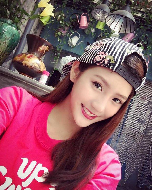 Loạt ảnh du lịch Sài Gòn của hot girl Malaysia khiến fan Việt thích thú - Ảnh 4.