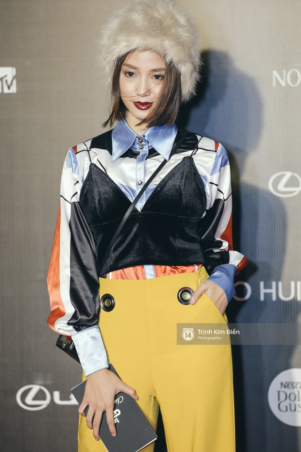 Và đây là 10 bộ cánh ấn tượng nhất trên thảm đỏ Vietnam International Fashion Week! - Ảnh 5.