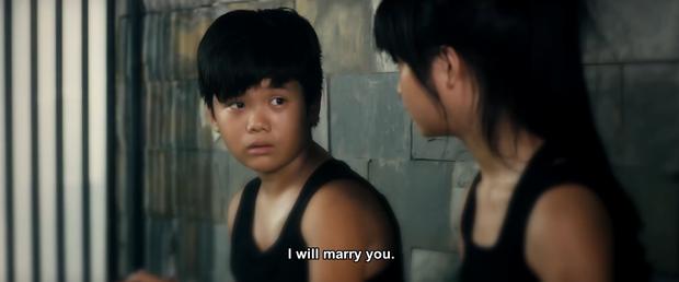 Tường và Mận (Hoa Vàng Cỏ Xanh) hứa... cưới nhau trong trailer Găng Tay Đỏ - Ảnh 2.