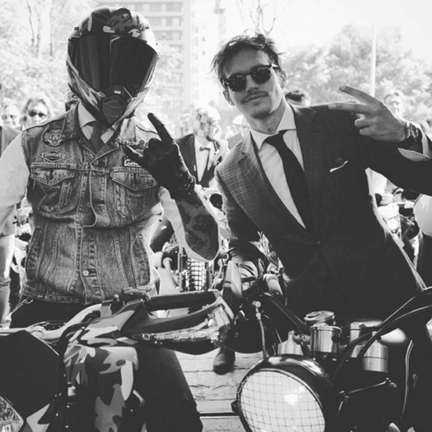Mặc suit đi motor: Một phong cách vừa ngầu lại vừa lịch của các chàng - Ảnh 13.