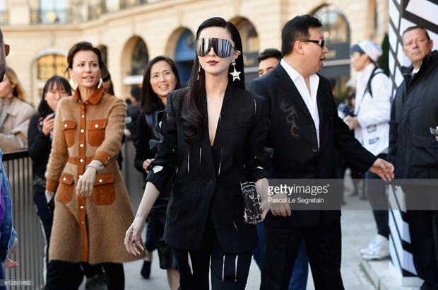 Phạm Băng Băng & Miranda Kerr: Cuộc chiến nhan sắc lẫn phong cách tại show Louis Vuitton - Ảnh 6.