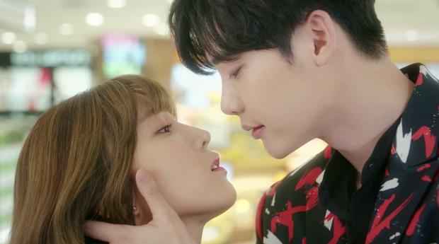7 First Kisses: Lee Jong Suk bị cô gái may mắn nhất xứ Hàn cấm hôn! - Ảnh 13.